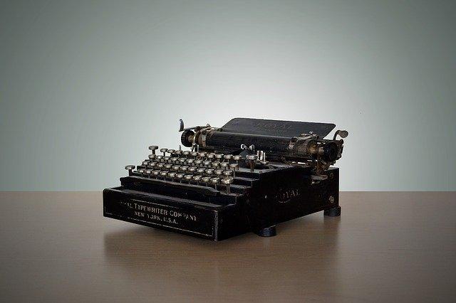 言葉を打つタイプライター